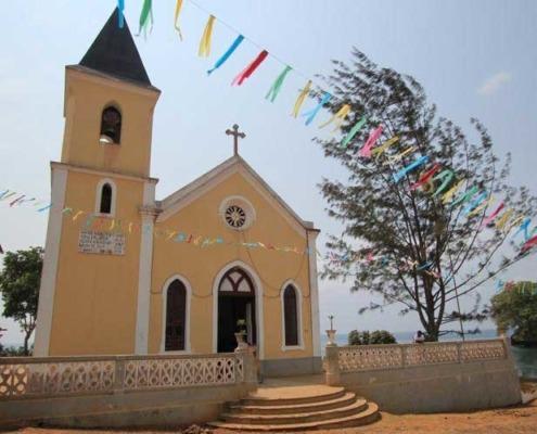 Ville de Santana, fondée au 16ème siècle, port d'abri à l'armada portugaise puis à exporter les produits agricoles des Roças